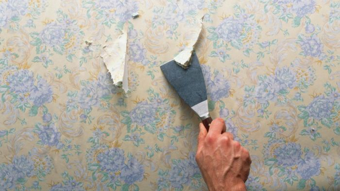 Should You Remove Old Wallpaper Before Applying New Wallpaper?