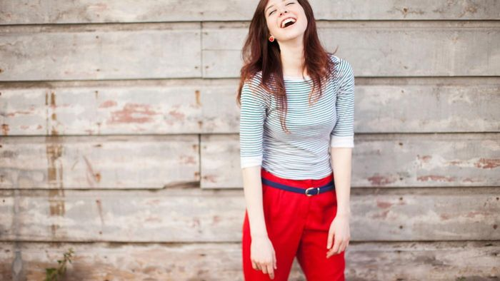 What Should You Wear With Red Pants?