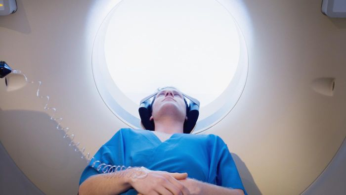 What are the side effects of an MRI?