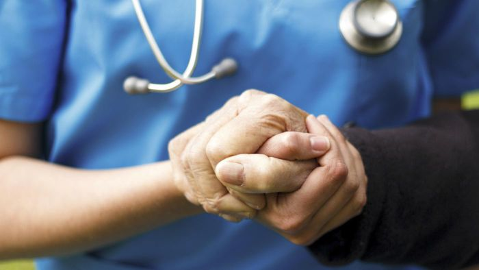 What Are the Signs and Symptoms of Parkinson's Disease?