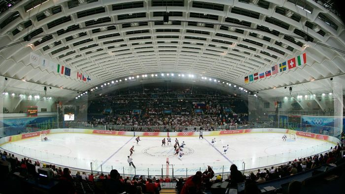 What is the size of an Olympic hockey rink?