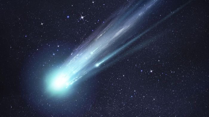 What year did Edmond Halley discover Halley's Comet?