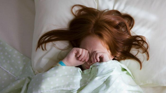 What strategy do you use to get your child to wake up easily?