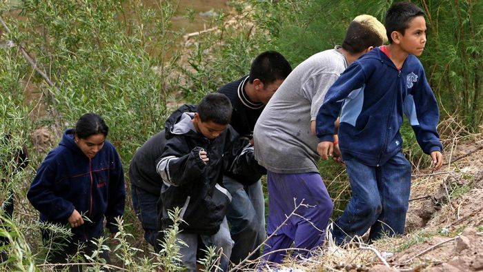 What Are Some of the Struggles Faced by Mexican Immigrants?