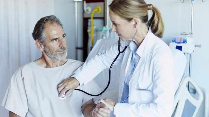 What Are Some Symptoms of a Heart Attack in Men?