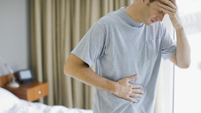 What are the symptoms of IBD?