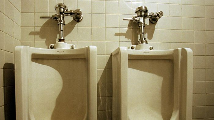 What Are Symptoms of Male Urinary Problems?