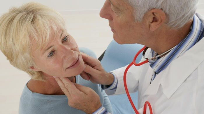 What Are Symptoms of Throat Cancer?