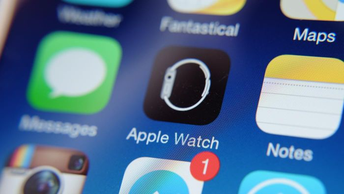 What technological capabilities does Apple Watch have?