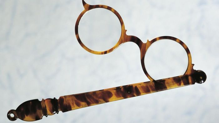 How do you tell if something is made of real tortoise shell?