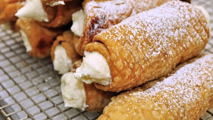 How Do You Thicken Cannoli Filling?