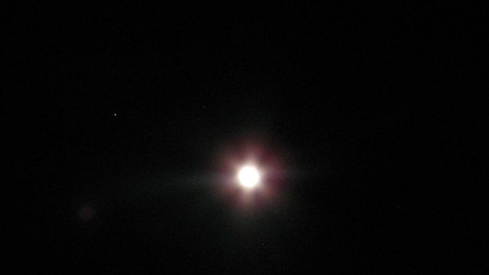 What Time Will You Be Able to See the Moon and Mars on August 17?