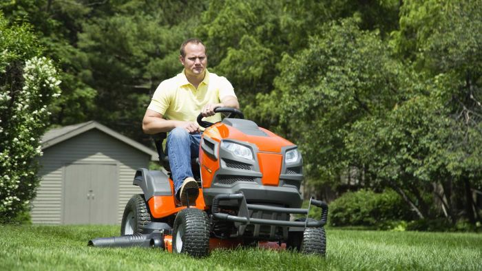 What is the top rated riding lawn mower?