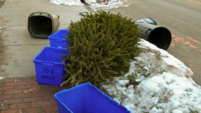 Is trash pickup delayed the week of Christmas?