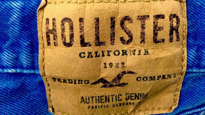 What type of clothing does Hollister sell?