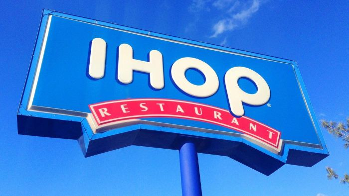 What Type of Discounts Does IHOP Offer Seniors for Breakfast?