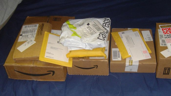 Under What Conditions Does Amazon Issue a Full Refund on Returns?