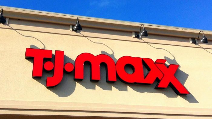 How do you use a TJ Maxx gift card at Marshall's?