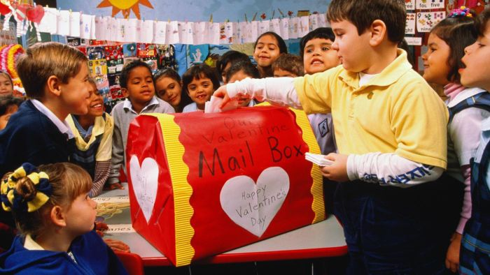 What Are Some Valentine's Day Box Ideas for Boys?