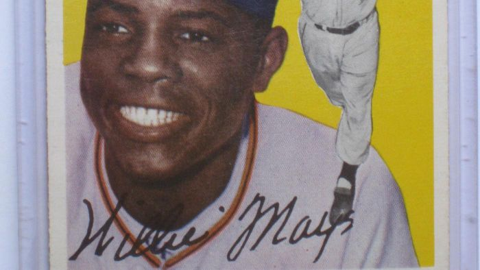 What is the value of Willie Mays' autograph?