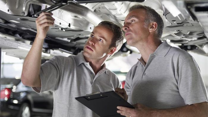 What Is a Vehicle Maintenance Checklist?