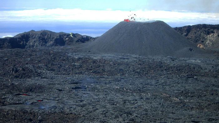 How Do You Know When a Volcano Erupts?