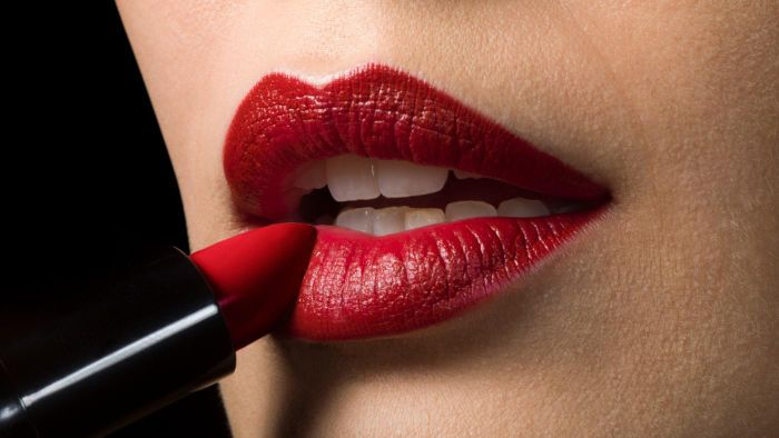 How Do You Wear Red Lipstick?
