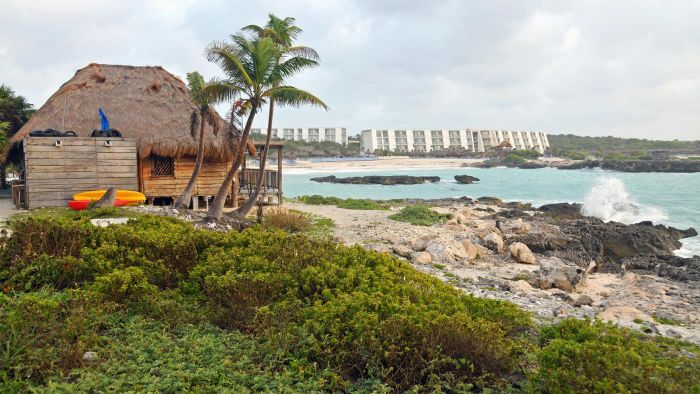 What Is the Weather Like in Cancun During February?