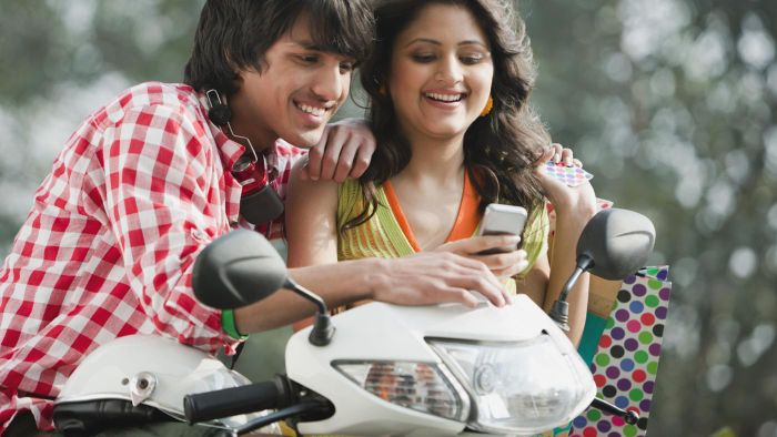 What Is the Best Website to Send SMS to Someone in India?