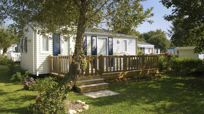 What websites list mobile homes for rent?