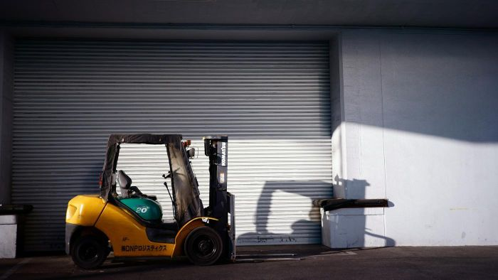 What Websites Post Help Wanted Ads for Forklift Drivers and Similar Jobs?