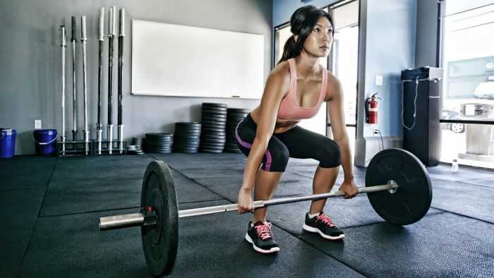 What Are the Uses of a Weight-Lifting Program Chart?