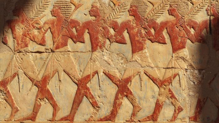What Did Ancient Egyptian Pharaohs Wear?
