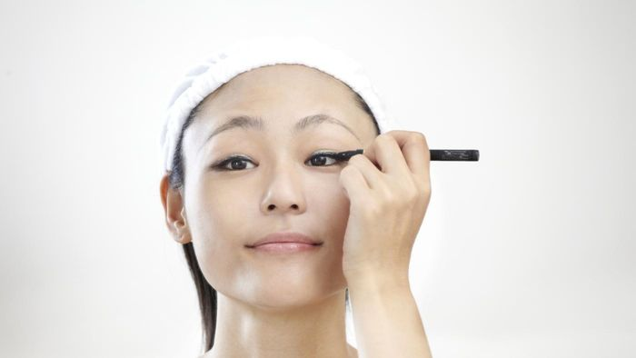 What is the best way to apply eyeliner?
