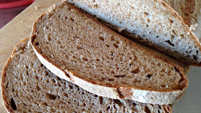 What Is the Difference Between Brown Bread and Wholemeal Bread?