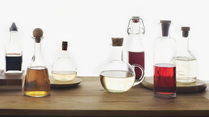 What is the difference between white and malt vinegar?