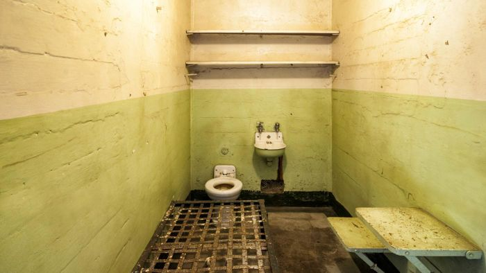 What Is the Average Size of a Prison Cell?