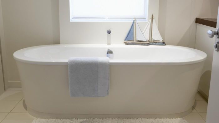 What Is the Standard Bathtub Measurements?