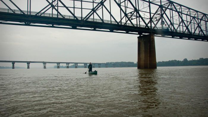 How wide is the Mississippi River?