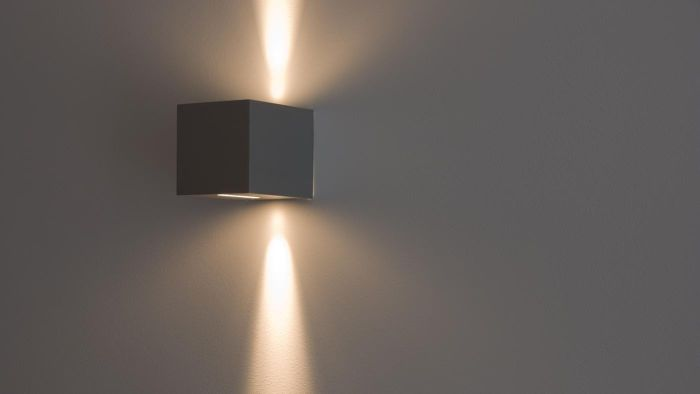 How Do You Wire a Wall Light?