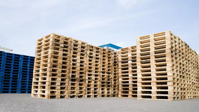 Where Are Free Wood Pallets Available?
