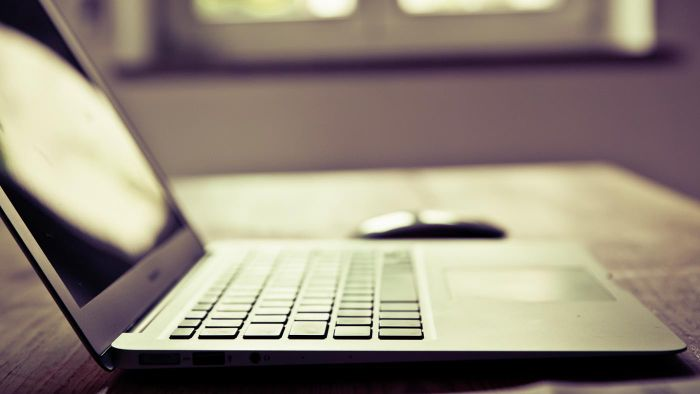Are the Writers for Online Magazines All Freelancers?