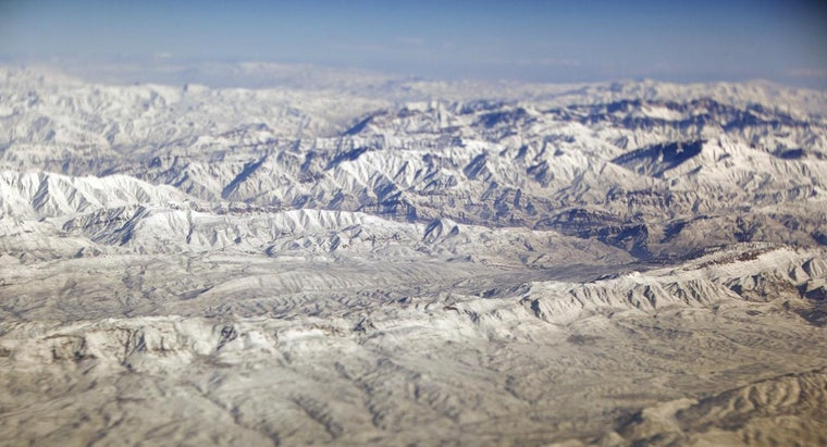 What Are the Mountain Ranges in Russia?