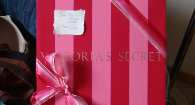How Much Does a Victoria's Secret Franchise Cost?