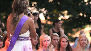 What Should You Say in Pageant Introduction Speeches?