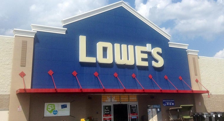 What Are Lowe's Store Hours?
