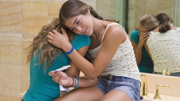 How Does Teenage Pregnancy Affect Society?