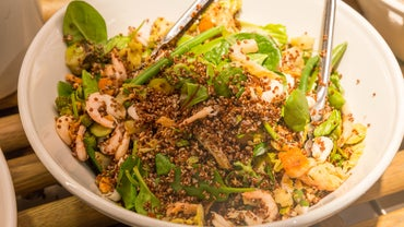 Christmas Side Dish Recipes: Quinoa Salad With Shrimp and Spinach