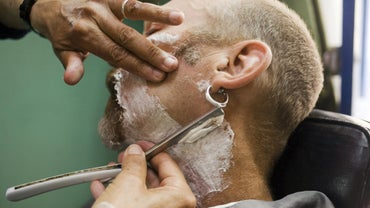 What Are the Benefits of a Straight Razor Versus a Safety Razor?