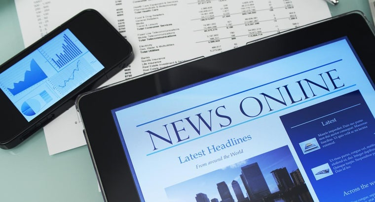What Are the Advantages and Disadvantages of Media in Today's Society?